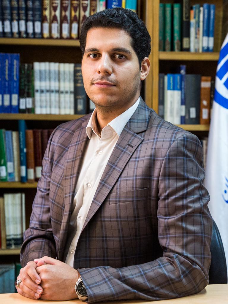 دکتر جلالالدین نصیری- راهبر آزمایشگاه متنکاوی و یادگیری ماشین