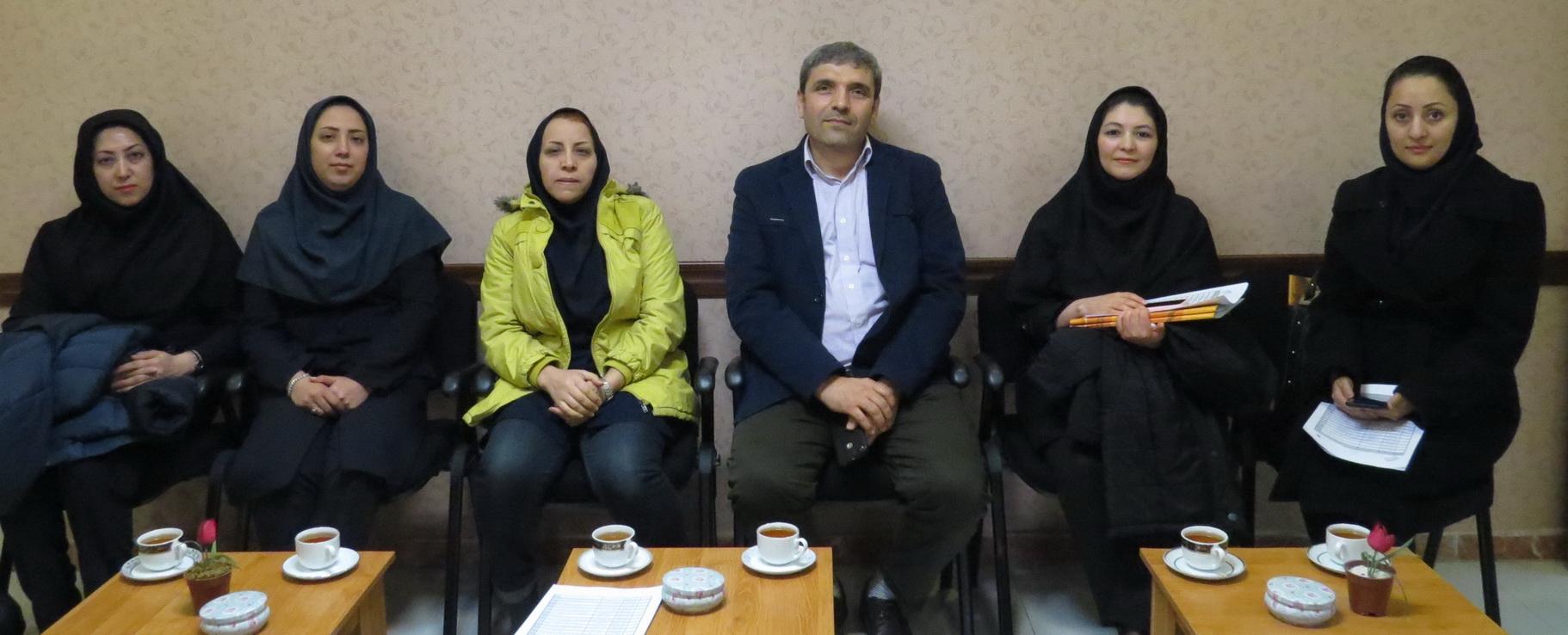 کارشناسان دبیرخانه کمیسیون نشریات علمی وزارت عتف از ایرانداک بازدید کردند