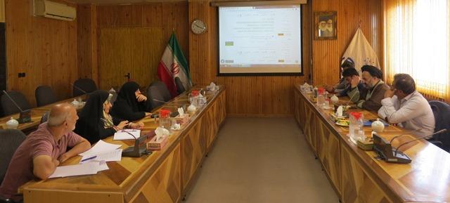 اعضای هیئتعلمی پژوهشگاه علوم و فرهنگ اسلامی دفتر تبلیغات حوزه علمیه قم از ایرانداک بازدید کردند