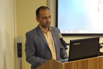 طراحی سامانه تصمیمیار هوشمند با رویکرد فرایادگیری: مورد مطالعه ارزیابی عملکرد مؤسسههای پژوهشی ایران