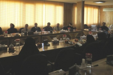 حضور اعضـای کمیسیون دائمی و هیئتامنای منطقه دو پژوهشی در ایرانداک